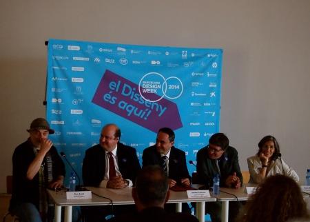 De izq. a dcha. Ron Arad, diseñador; Pau Herrera, presidente del BCD; Jaume Ciurana, teniente alcalde de cultura; Alon Bar, embajador de Israel y Nani Marquina,  presidenta del FAD